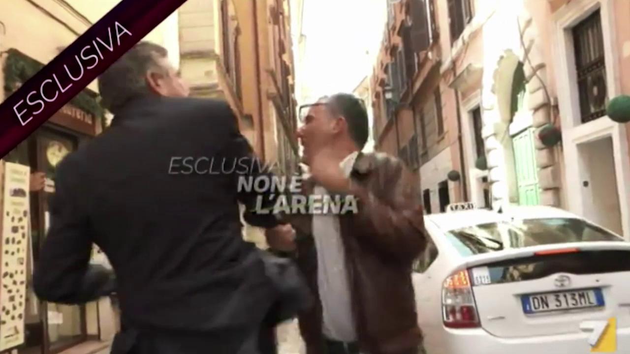 Da Mario Landolfi ai grillini fino a Spada:  tutti i modi per dare schiaffi al ruolo e alla libertà dei giornalisti italiani